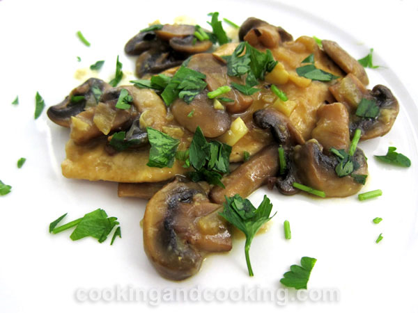 Chicken with Mushroom Sauce