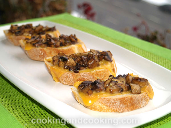 Crostini with Mushrooms