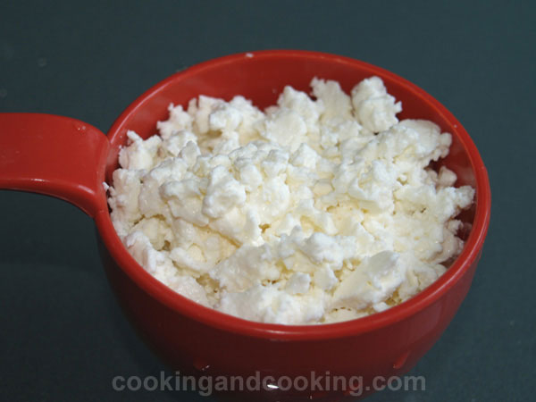 How to Crumble Feta Cheese
