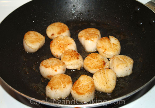 Fried Sea Scallop with Mayo Sauce