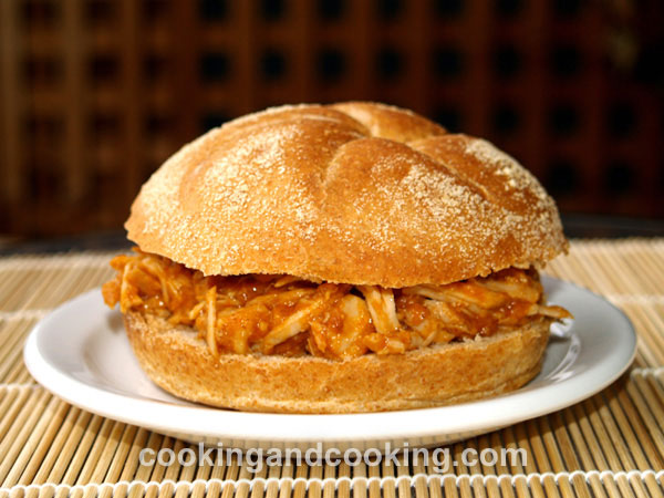 Pulled Pork Sandwich title=