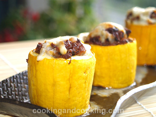Stuffed Zucchini with Ground Beef